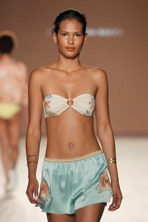 Bikini bandeau 119€