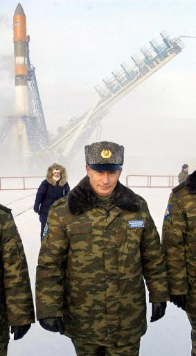Tổng thống Nga Vladimir Putin đã tăng cường các cuộc tập trận ở Bắc Cực. (Ảnh: Newsweek)