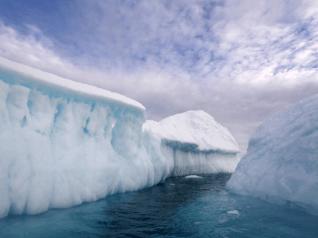 Sông băng ở Hành lang Phương Bắc gần Greenland. (David Lefranc/Corbis)