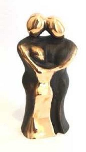 bronzeskulptur_lene_purkaer_stefansen_bronzefigur_kunst_skulpturer_familie_med_et_barn