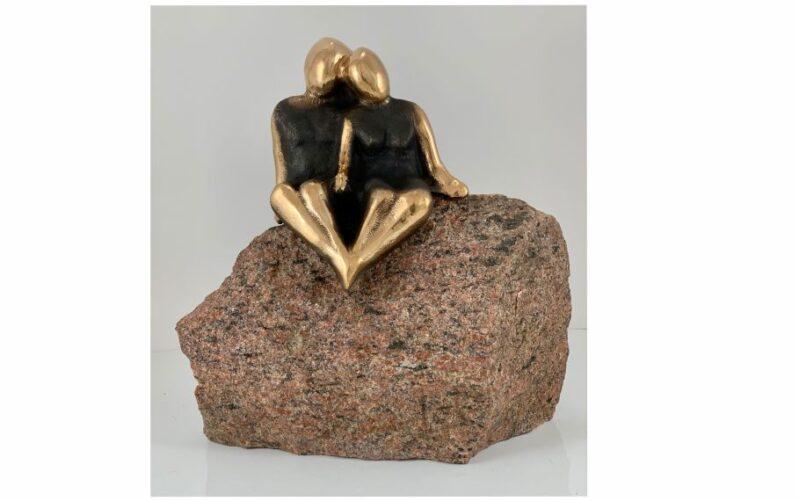 Bronzeskulptur af to kærlige mennesker vokser kærlighed, den vokser og vandrer kærlighedsgave bryllupsgave bolig indretning bronzeskulptur kunst til hjemmet