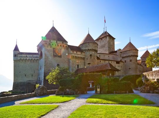 Lake-geneva-tour-Chateau-de-Chillon
