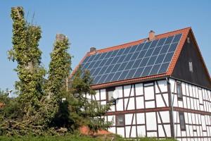 solar-panel-roof_xl_22077634