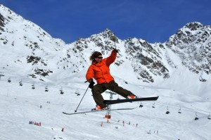 http://www.dreamstime.com/royalty-free-stock-photos-skier-dramatic-jump-image8264828