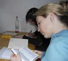 language student studying Le News English Switzerland