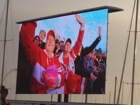 Swiss fans in Ouchy cheer Swiss Davis Cup winners' victorious return