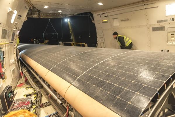 Loading of Solar Impulse 2 in a Boeing 747 Cargolux