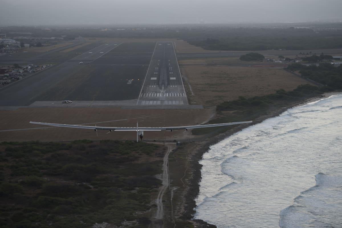 Soalr impulse landing in Hawaii - Copyright Solar impulse
