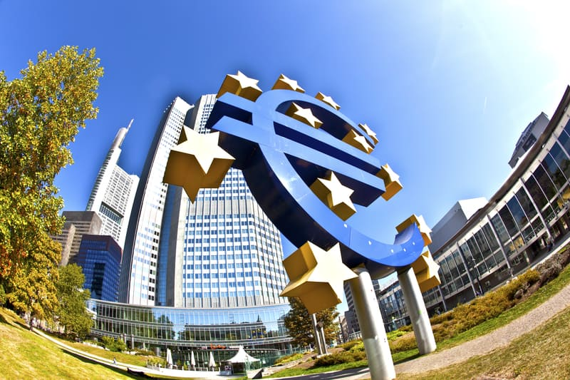 ECB distorts exchange rates - © Jorg Hackemann | Dreamstime.com