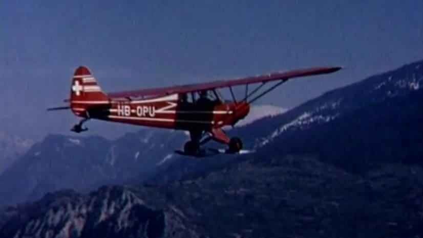 Piper Cub Ski Plane - Source: YouTube - Air Glacier SA