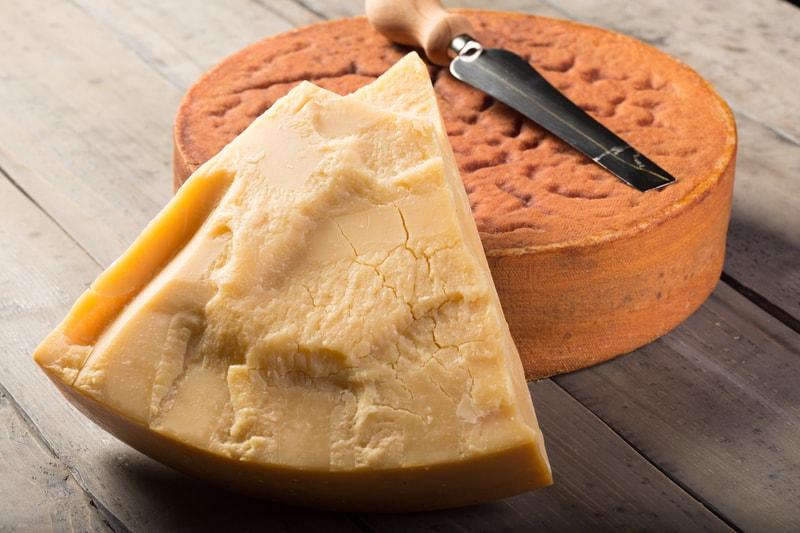 Sbrinz extra hard Swiss cheese - © Beat Bieler   Dreamstime.com