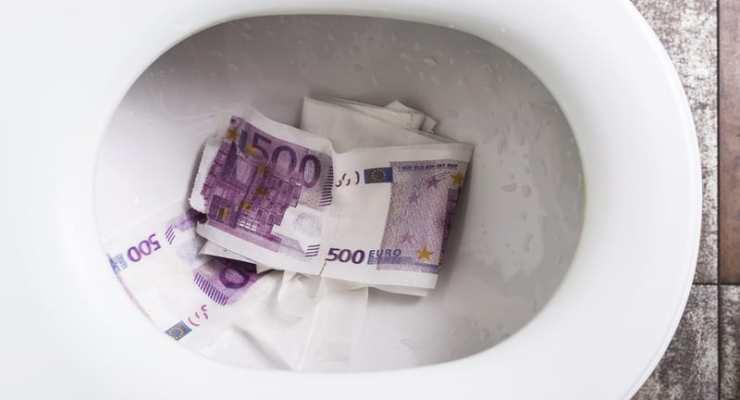 Blocked Geneva toilets full of 500 euro notes