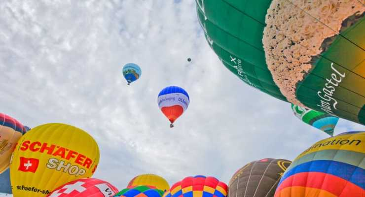 Chateau d'Oex balloon festival gets set for take off