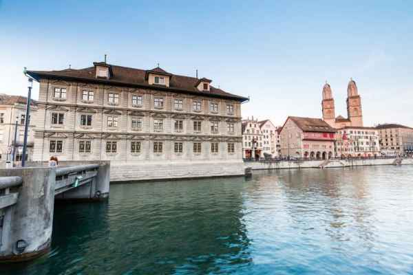 Zurich city launches initiative to allow foreigners to vote
