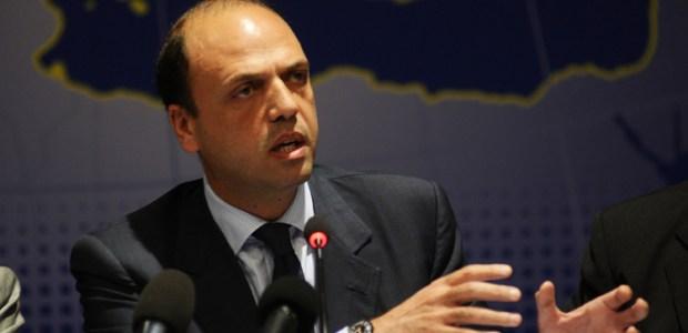 Angelino Alfano, interviene alla Camera sulla tragedia di Lampedusa.