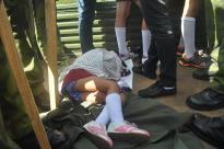 Nelenis solo tiene 6 años y como la más pequeña de los caravanistas se tomó su descanso a intervalos