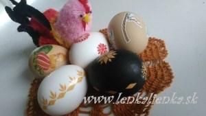 lepenie, vajíčka, kraslice, sliepočka, obrus