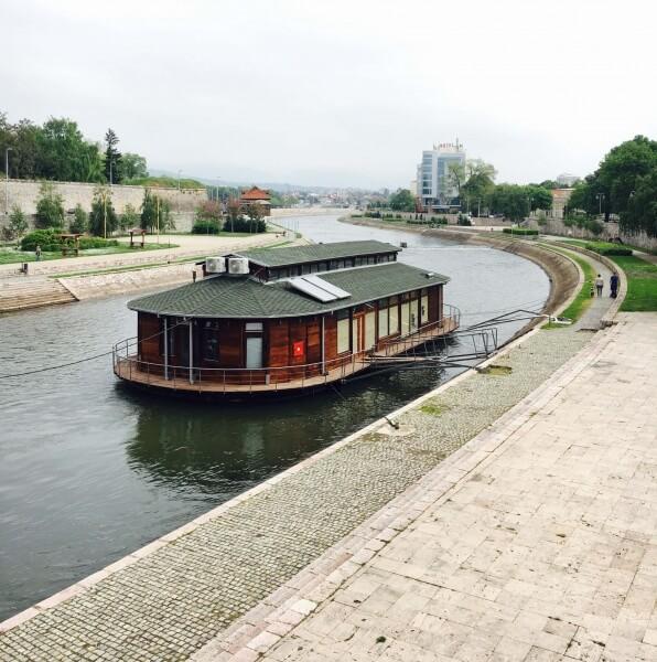 house boat na rieke Nišave, Niš, Srbsko