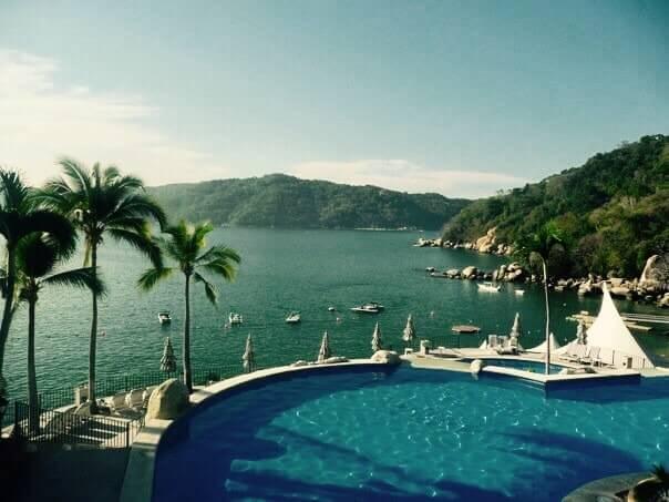 bazén, more, palmy, hotel Camino Real, Acapulco, Mexiko