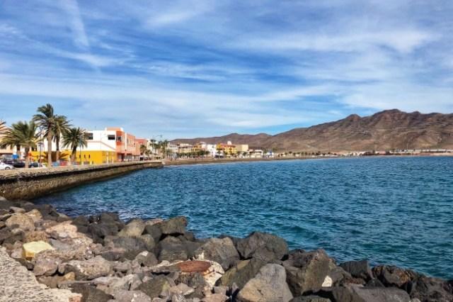 promenáda v Grand Tarajal, Fuerteventura, Kanárske ostrovy, Španielsko