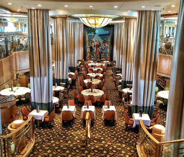 Hlavná reštaurácia na lodi Jewel of the Seas