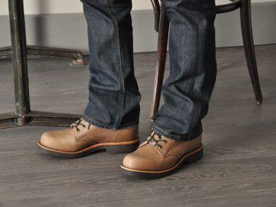 Les chaussures Chippewa sont fabriquées aux Etats-Unis et vendues par notre marque en France. Modèle original pour tous les jours.