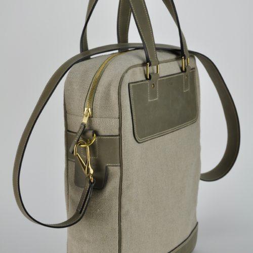 Bagage en vachette et lin, léger et original. Design et fabrication française.