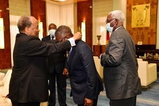 -l'investisseur-nigerian-aliko-dangote-au-palais-de-l'unite