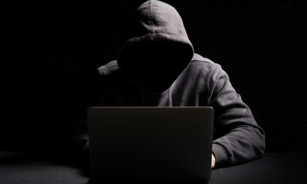 ⏯️ Maurice SOMO : «Les réseaux sociaux sont un voile derrière lequel des individus se cachent pour laisser exploser leur haine»