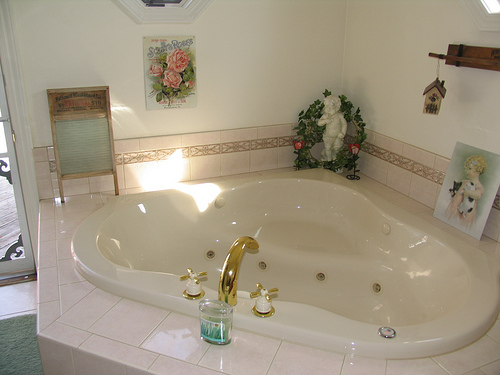16 Reasons Why Whirlpool Tubs Are For Suckers Len Penzo