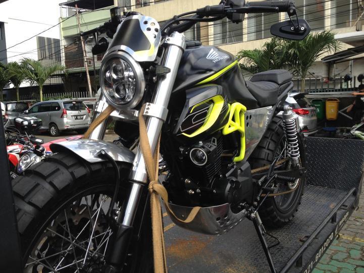 Motor Honda Asyik Untuk Modifikasi (8)