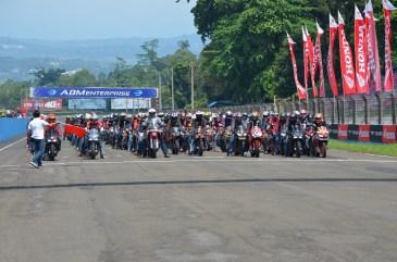 Wahana Makmur Sejati dukung minat balap anggota komunitas Honda CBR pada ajang Indonesia CBR Race Day, yang berlangsung di Sentul pada Minggu, 22 April. (16)