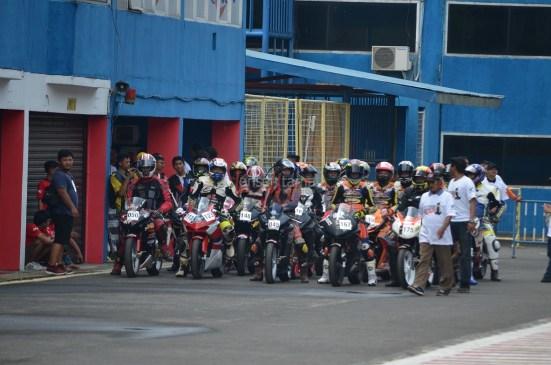 Wahana Makmur Sejati dukung minat balap anggota komunitas Honda CBR pada ajang Indonesia CBR Race Day, yang berlangsung di Sentul pada Minggu, 22 April. (7)