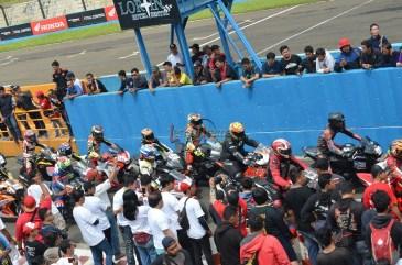 Wahana Makmur Sejati dukung minat balap anggota komunitas Honda CBR pada ajang Indonesia CBR Race Day, yang berlangsung di Sentul pada Minggu, 22 April. (8)