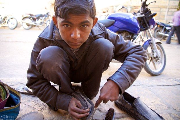 shoe repair / jaisalmer, india