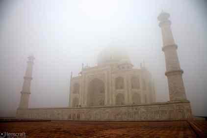 the poem in stone / agra, india