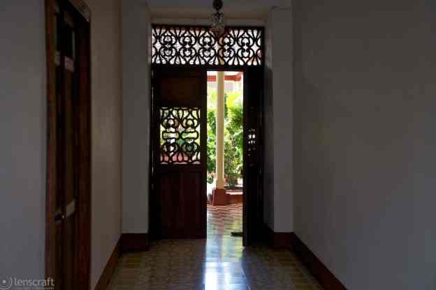 santa fe courtyard / santa fe de antioquia, colombia
