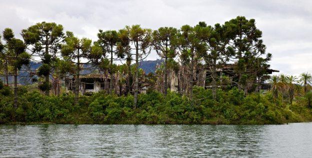 la casa de pablo / guatapé, colombia