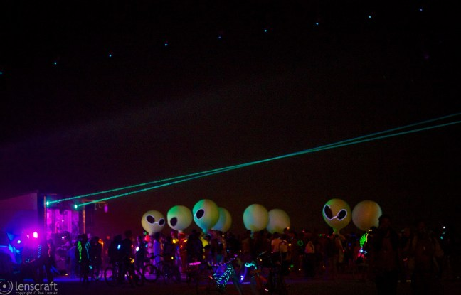 aliens on the dance floor / black rock city, nevada
