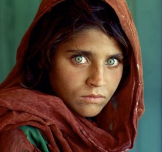 Afghan Girl portrait - Steve McCurry for National Geographic