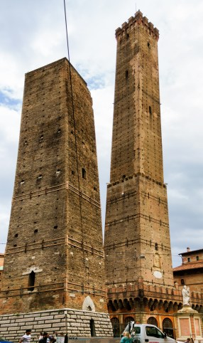 Bologna two towers-1