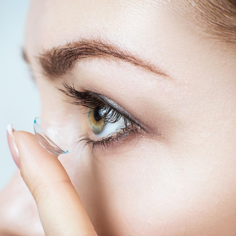 a1b8878a093 Kuidas valida kontaktläätsed punaselt. Neile, kes tahavad oma silmi  hellitada uue värviga. Silmade kontaktläätsede tüübid