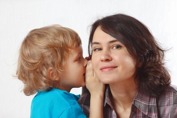 hargai dan dengarkan anak berbicara