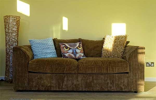 Memperbaiki Sofa