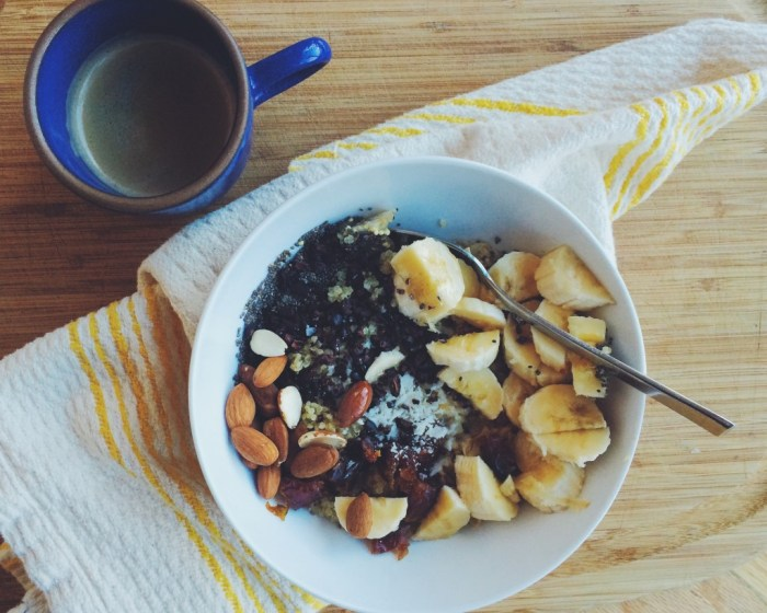 Winter Porridge w/Bananas + Dates