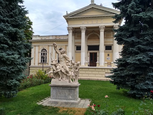 things to do in Odessa Archeological museum