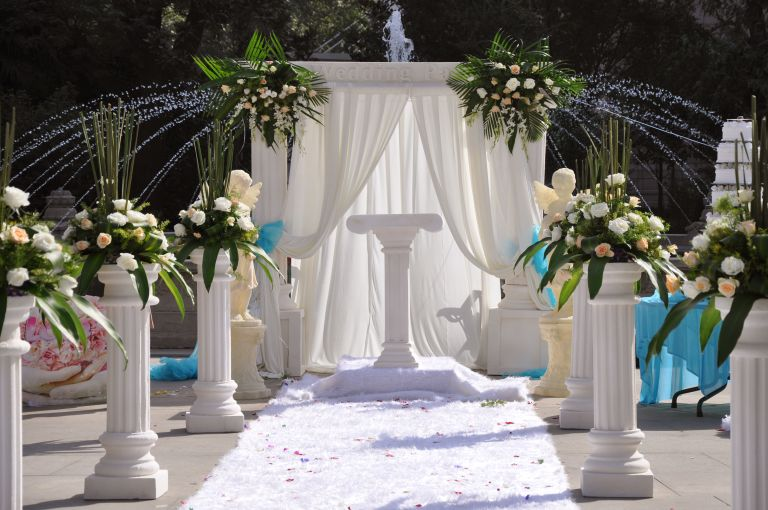 Outside wedding ceremony decoration