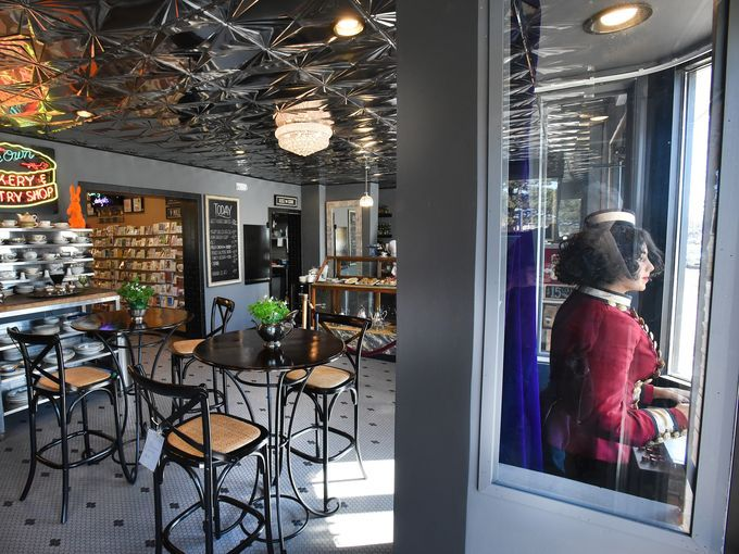 The Detroit News Reviews Three Cats Cafe