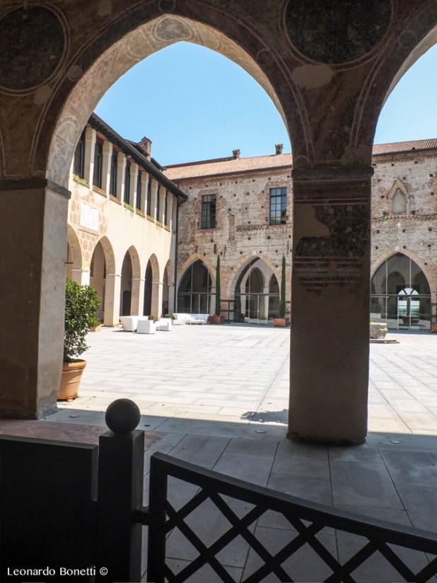 Il cortile interno del castello visconteo di Cassano d'Adda