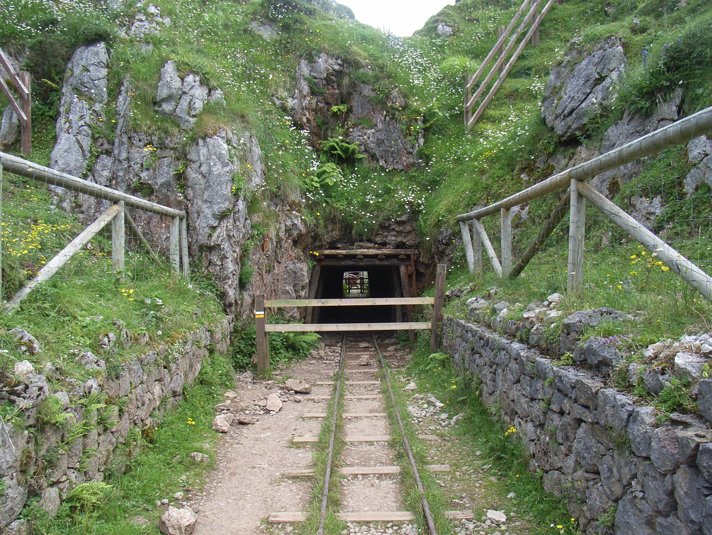 Entrada al tunel y comienzo de la carrera.